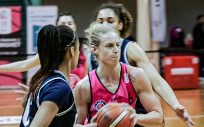 Lucie Carlier Basketteuse professionnelle à l'US La Glacerie Cherbourg en Cotentin